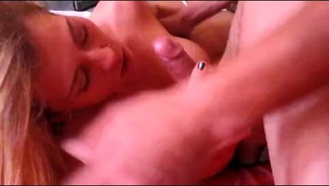 Vidéo d'une baise hardcore avec milf blonde qui aime se faire prendre