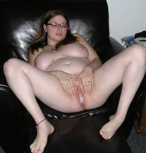 Je couche avec ma sœur qui est folle de mon sperme en veux dans ses trous