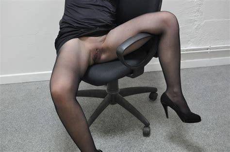 Je me suis fait tringler sur mon bureau par le technicien informatique - Je me suis fait tringler sur mon bureau par le technicien informatique