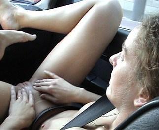 balladevoiture01 - J'ai exhibé ma femme à des routiers sur l'autoroute