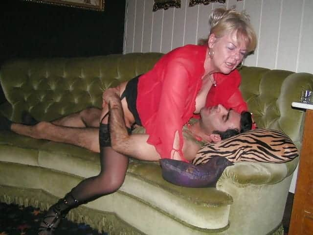 il baise la fille de sa femme femmes mures baisent