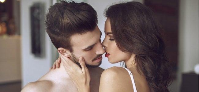 parler cru 2 - Je kiffe lorsqu'il me parle cru pendant qu'il me baise comme une chienne