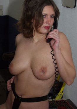 xfr telephone rose 1 - La suite des photos chaudes de l'institutrice libertine qui nous excite !